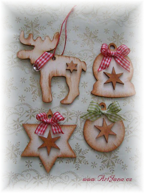 vánoční ozdoby z dřevěné